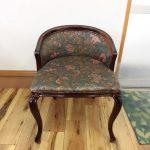 徳島県のメーカー製、鏡台椅子の着せかえです!